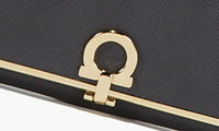誕生日プレゼント・フェラガモのレディース財布