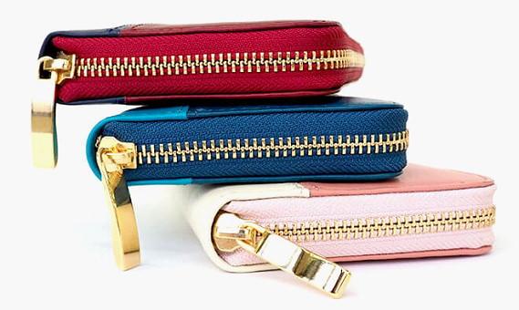 JOGGOのレディース長財布のジッパー部分